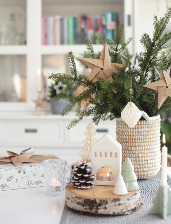 Origami Sterne zu Weihnachten basteln Anleitung DIY Roombez