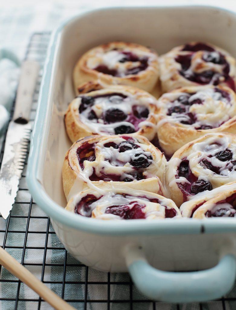 Blitzrezept: Blueberry-Cheesecake-Rolls | Blaubeer-Käsekuchen-Schnecken